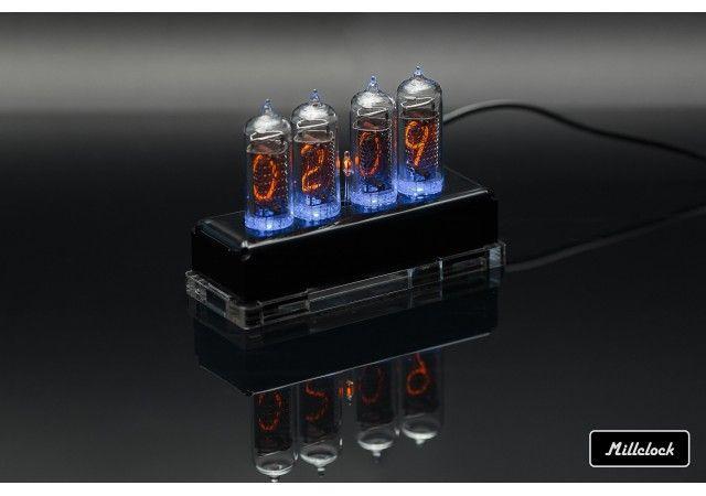 Uhren - MILLCLOCK, Gasentladungsuhr: schwarzes und transparentes Acrylgehäuse, mit Adapter, 4- Kolben